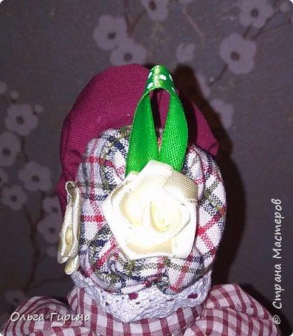 Привет всем,опять я пропадала,но не бездельничала,нашила кукол ,они уже все благополучно раздарены:-)Сшила куклу по мотивам аргентинских кукол. фото 16