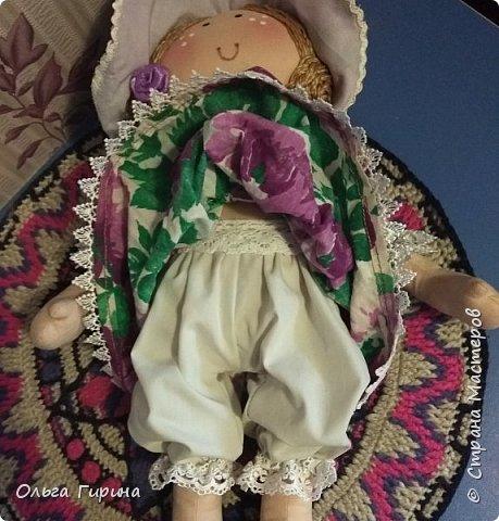 Привет всем,опять я пропадала,но не бездельничала,нашила кукол ,они уже все благополучно раздарены:-)Сшила куклу по мотивам аргентинских кукол. фото 4