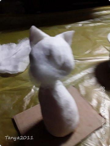 Добрый вечер, мастера и мастерицы! У меня - ватные котейки. Конечно. сейчас очень много МК по ватной игрушке. Но может кому-то пригодится. Увидел фото   в интернете - сделал копию из ваты. фото 52