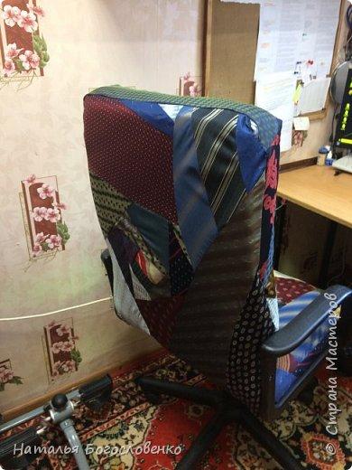 Кресло  из галстуков фото 3