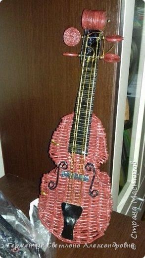 Добрый   всем день!!! Сегодня я пришла  в гости со скрипкой- денежницей. Если не будет денег , скрипка будет служит украшением интерьера.   Я не профессиональная плетунья , поэтому ищу  работы хотя бы с маленьким МК. Но на этот раз  - не удалось найти МК скрипки ( может плохо искала  и не там?)