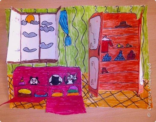 Рисунок с открывающимися дверками очень интересен в творчестве детям. Он позволяет проявить воображение и вкусовые дизайнерские особенности. Для работы необходимы: Бумага, Клей, Ножницы, Карандаши, Фломастеры. фото 10