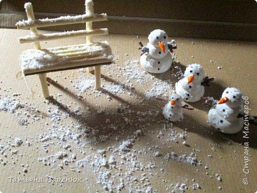 Даже самый обычный вечер может стать ВОЛШЕБНЫМ...✨😉 Создаем волшебную зимнюю сказку своими руками...❄🎄🏠⛄ ️ Как же мне нравятся эти милые приготовления к Новому году, маленькие чудесности сделанные своими руками для украшения квартиры: снежинки, магнитики,елочки,шары, гирлянды... И никакой грустной осени!!!Фантазируйте,творите и радуйте друг друга хорошим настроением. =)❄🎄🍊🎨🍭✨  фото 8