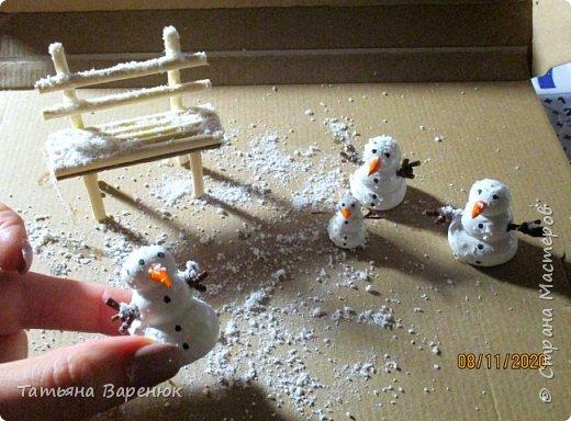 Даже самый обычный вечер может стать ВОЛШЕБНЫМ...✨😉 Создаем волшебную зимнюю сказку своими руками...❄🎄🏠⛄ ️ Как же мне нравятся эти милые приготовления к Новому году, маленькие чудесности сделанные своими руками для украшения квартиры: снежинки, магнитики,елочки,шары, гирлянды... И никакой грустной осени!!!Фантазируйте,творите и радуйте друг друга хорошим настроением. =)❄🎄🍊🎨🍭✨  фото 9