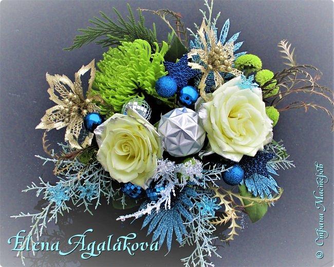 Добрый день! С наступающим Новым годом и Рождеством!  Сегодня я к вам снова с композициями из живых цветов, на этот раз новогодними. фото 7