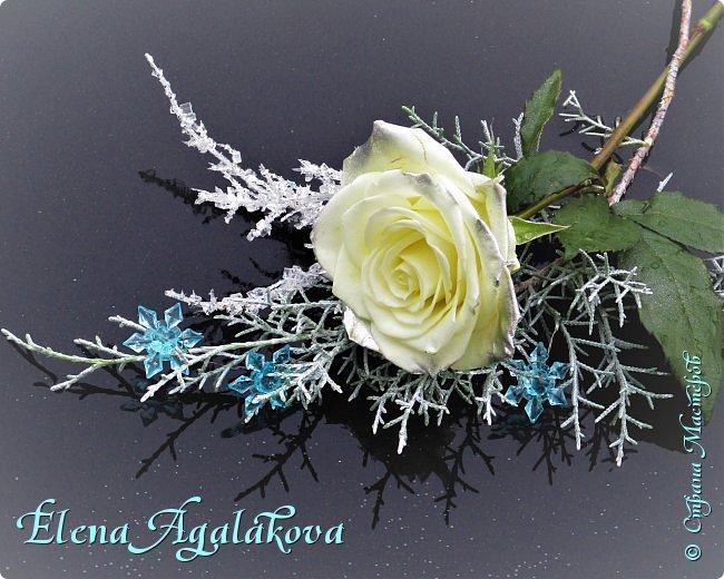 Добрый день! С наступающим Новым годом и Рождеством!  Сегодня я к вам снова с композициями из живых цветов, на этот раз новогодними. фото 9
