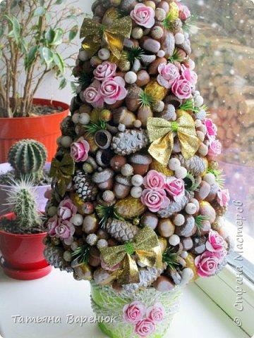 Мы говорим, что праздники украшают нашу жизнь.  На самом деле, нашу жизнь мы украшаем сами, благодаря праздникам.🎄✨❄  Моя вторая елочка из природного материала Хотелось передать мое нежно-романтичное настроение...=) фото 3
