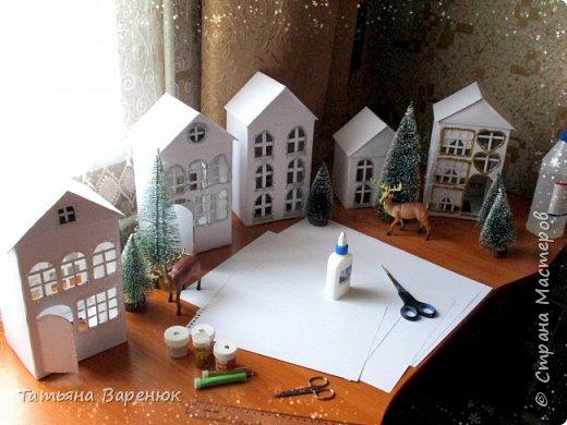 А Тем Временем Декабрьское Настроение Плавно Перерастало в Новогоднее...🎅🍊🍫❄🎄🎁⛄✨  Ура!!! Наши окна готовы встречать Новый год!!!😄✨❄🎄🎅⛄ Вот такую зимнюю сказку создали мы вместе моим любимым сыночком...👩👦💖🎨✂✏📐  Мы верим в чудеса и сказки, Зимой особенно их ждём... Не закрывайте, люди, двери - Пусть волшебство войдёт в ваш дом...✨🌙🎅🏠🎄🎊  Новогоднее чудо можно ждать, а можно создавать своими руками!!! Не ждите у моря погоды. Создавайте свою погоду сами, как внутри себя, так и вокруг! 😘🌙✨🏠🎄⛄   фото 5