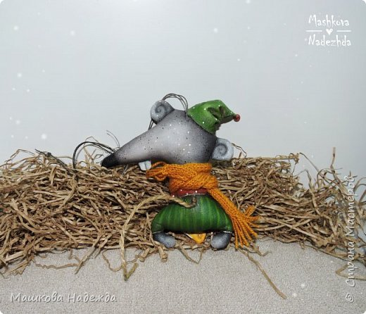 Набор ёлочных игрушек: Символ уходящего года - Крыса, Символ наступающего года - Бык и вечный новогодний символ - Ёлка фото 5