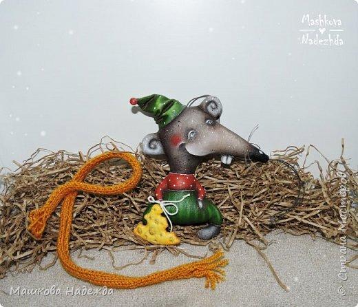 Набор ёлочных игрушек: Символ уходящего года - Крыса, Символ наступающего года - Бык и вечный новогодний символ - Ёлка фото 4