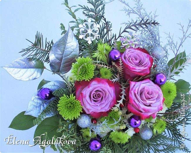 С наступающим Новым годом и Рождеством! Еще немного новогодних композиций из живых цветов от меня для поднятия настроения! Всем желаю здоровья и душевного равновесия! фото 3