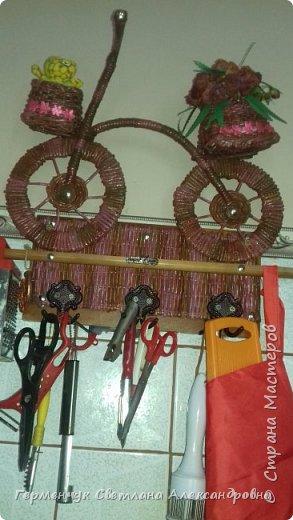 Добрый всем день!!! Сегодня я   с велосипедом - полочкой на кухню.  Это напоминание о здоровом образе жизни! Ну и, чтобы лишнего не  переесть ,сидя на изоляции!