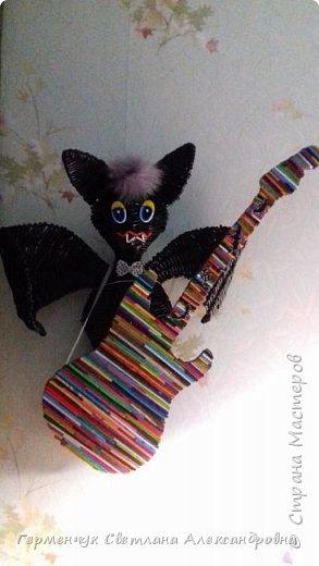 Добрый всем день!!!   Предлагаю вашему вниманию  игрушку  Тимошка с гитарой. Тимошка -летучая мышь , совершенно здоровая . На востоке летучая мышь=это символ счастья, удачи и процветания!!!.