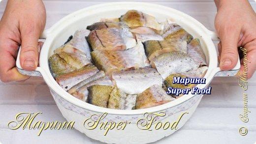 Всем привет! Сегодня будем готовить вкусную рыбку в духовке! Нежное и ароматное рыбное филе под овощами – и никакого гарнира не нужно.  Все Мастер-Классы с большим количеством фото и подробным описанием рецепта есть на моем канале в ДЗЕН - Марина Super Food  Ингредиенты: филе (минтай или треска) - 700 г. лук - 2 шт.  шампиньоны - 350 гр. картофель - 5-6 шт. масло растительное соль по вкусу  Соус: сливки 20 % - 300 мл. мука - 1 ст.л соль - 1/2 ч.л специи - 1 ч.л  Видео рецепт Вы можете посмотреть тут. Я как всегда желаю Вам приятного аппетита, готовьте с удовольствием!