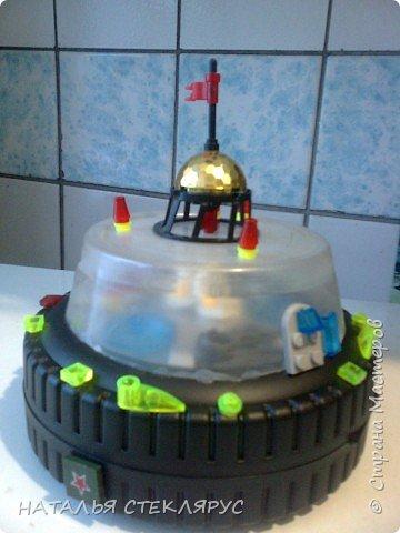 12 января - День ракетно - космической техники. Это наш звездолет.