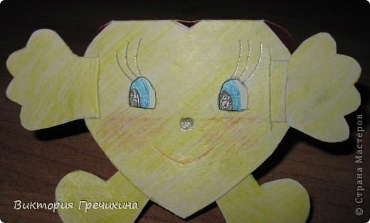 На день смайлика я сначала решила сделать смайлик из бисера, но потом вспомнила что есть такой мастер-класс http://stranamasterov.ru/node/149612?c=favorite_c и решила сделать свой смайлик-девочку! фото 2