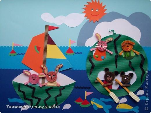 """Ребята из студии """"Журавлик"""" так представили себе тему дня арбуза. В жаркую погоду арбуз самый лучший водный транспорт. Арбузы ведь не тонут. фото 1"""