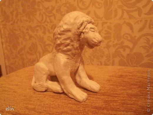 Знак огня — могучий Лев —  Восхищенье вызывает,  Королей и королев  Он в себе объединяет.  С этого дня начинается зодиакальный месяц знака Лев. фото 2