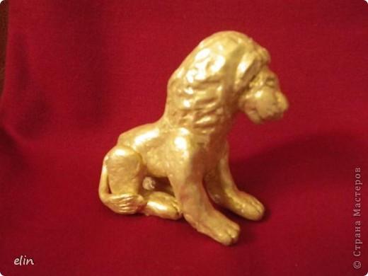 Знак огня — могучий Лев —  Восхищенье вызывает,  Королей и королев  Он в себе объединяет.  С этого дня начинается зодиакальный месяц знака Лев. фото 3