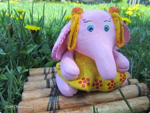 …Жил на поляне Розовый слон.    Автор слов : Горбовский Г.  фото 1