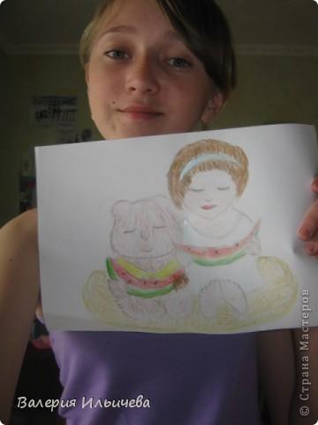 Это девочка и медвежонок сидящие на облаке кушая арбузы. фото 3