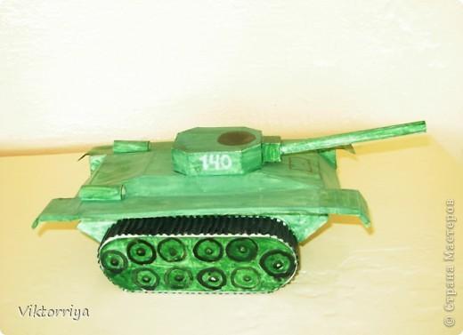 Вот мой танк. Я очень старался сделать его похожим на оригинал, но у меня еще не столько умений. Вам судить что получилось.  фото 1