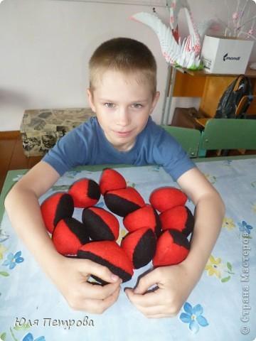 Добрый вечер, жители Страны! Сегодня я представляю работу моего ученика Дениса. Это восточный мяч - головоломка. Мячик сшит по технологии японского шарика - темари.  фото 4