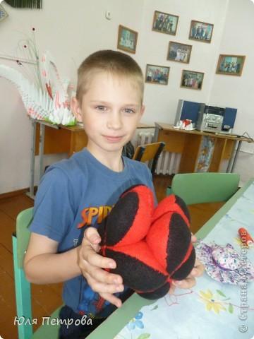 Добрый вечер, жители Страны! Сегодня я представляю работу моего ученика Дениса. Это восточный мяч - головоломка. Мячик сшит по технологии японского шарика - темари.  фото 6