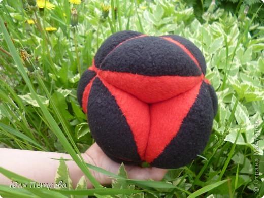 Добрый вечер, жители Страны! Сегодня я представляю работу моего ученика Дениса. Это восточный мяч - головоломка. Мячик сшит по технологии японского шарика - темари.  фото 8