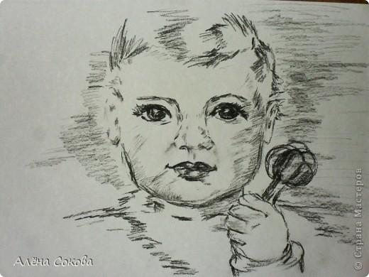 Отношение к младенцу со стороны родителей может быть весьма разнообразным. К огромному сожалению, огромное количество родителей относится к своим любимым чадам только как к предмету обихода. Им кажется, что ребенок нуждается только лишь в том, чтобы его перепеленали, накормили и уложили спать. На самом деле такое отношение к новорожденным является полностью неправильным. Каждому малышу присуща индивидуальная весьма полноценная психическая жизнь. Более того, ребенку присущ свой собственный мир, который напрямую взаимосвязан с предметами и людьми, которые его окружают. У ребенка также как и у взрослого есть душа, он тоже является личностью, которая в данный период еще просто не сформирована до конца, а только начинает формироваться. Психике младенца присущи многочисленные возможности, которые дают ему все необходимое для раскрытия своей личности, а также для развития индивидуальных способностей. фото 1