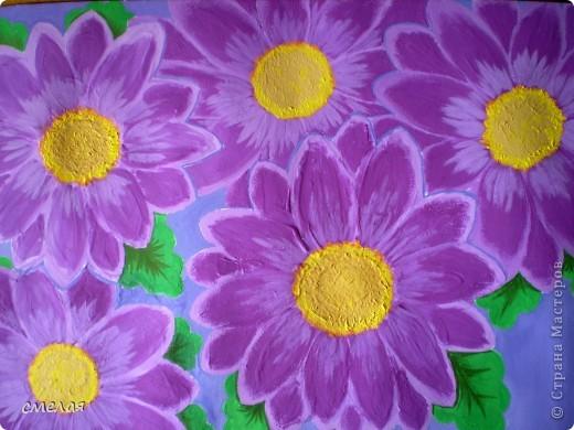 Про фиолетовую хризантему написано множество стихов и песен, ей посвящаются традиционные выставки и торжества . фото 1