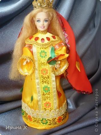 Дорогие дети и взрослые! Мы решили представить на конкурс вот такие замечательные куклы, совершенно разные. Мы откроем вам тайну - это куклы не простые, а волшебные. Каждая из них принадлежит своему времени года: ледяной зиме, зелёной весне, красному лету, королеве осени. Каждое время года имеет свое настроение, цвет, убранство, так и наши куклы. фото 5