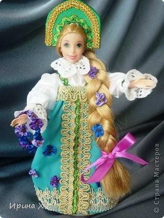Дорогие дети и взрослые! Мы решили представить на конкурс вот такие замечательные куклы, совершенно разные. Мы откроем вам тайну - это куклы не простые, а волшебные. Каждая из них принадлежит своему времени года: ледяной зиме, зелёной весне, красному лету, королеве осени. Каждое время года имеет свое настроение, цвет, убранство, так и наши куклы. фото 3