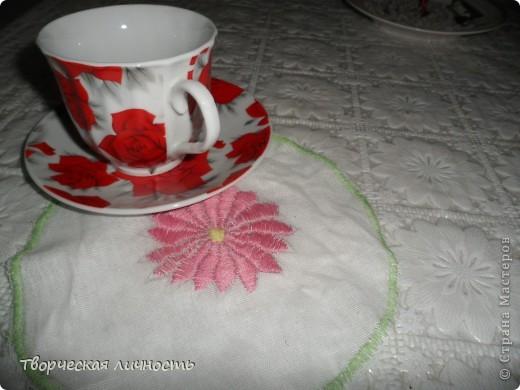 Салфетка (махровая, льняная, бумажная) — применяется не только для вытирания губ и рук после еды, но и является значимым элементом сервировки стола.  фото 5