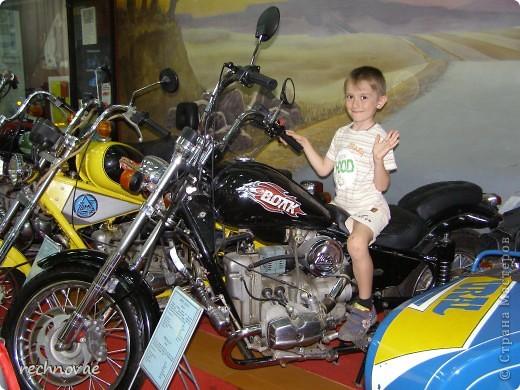 """Я очень рада, что мне попался именно день мотоциклов…  Идея сделать мотоцикл у меня созревала довольно давно... а эскиз здания Мототехникума, выполненный на пенопласте пролежал почти год... Поэтому конкурс стал для меня своеобразным """"пинком""""... к творчеству... За что стране мастеров я безумно благодарна... фото 6"""