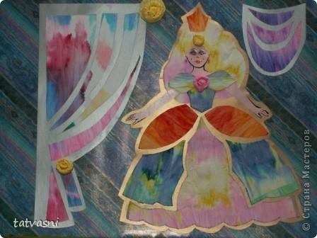 С детства  Маша любила смотреть  мультик про Золушку. Смотрела заворожено, ей нравились наряды принцесс. Также она наряжала своих кукол так, как бы хотела одеться сама. Ей нравились бальные платья.  Мария занималась бальными танцами. Я ей шила платья для танцев.  Но до сих пор тема принцесс и нарядов ей очень нравится. Она собирает коллекцию кукол в бальных нарядах.  Мы дарим ей  статуэтки, похожие на принцесс.  «Жила-была принцесса Изабелла.  Она была красивая, веселая, всегда улыбалась и пела песенки. Как все принцессы Изабелла  носила пышные наряды.  Она была красивая и счастливая, потому, что нравилась принцу из соседнего королевства».  фото 9