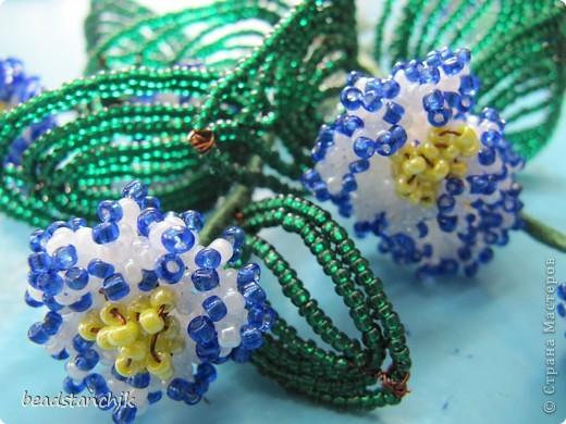 Моя работа посвящена Сенполии - чудесному комнатному растению! Любимый цветок, выполнен в технике бисероплетения.  фото 3