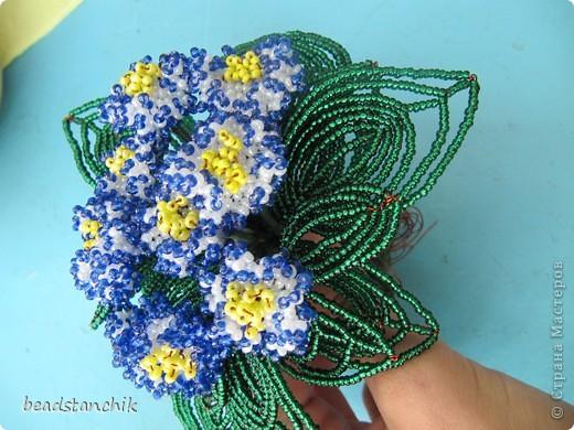 Моя работа посвящена Сенполии - чудесному комнатному растению! Любимый цветок, выполнен в технике бисероплетения.  фото 4