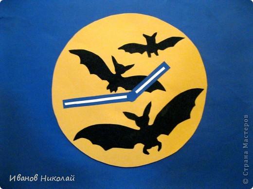 """Часы """"Летучая Мышь"""" - моя поделка.Если в них вставить механизм то они будут работать как настоящие. фото 1"""