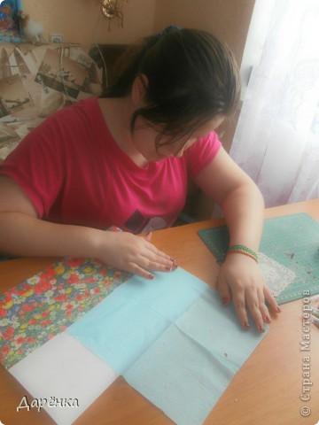 Когда дракончик предложил мне день бумажной салфетки, я обрадовалась. Мне нравится использовать салфетки в своих работах. В этом панно я использовала разные приемы. фото 3