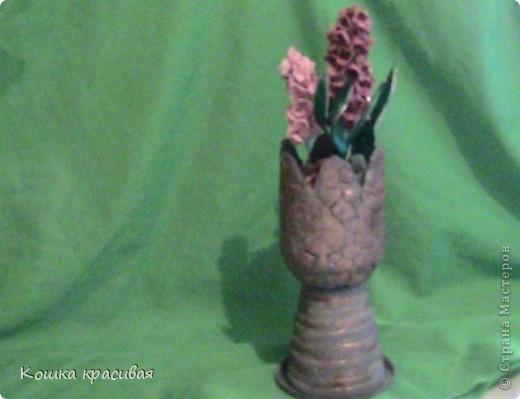 И один гладиолус - это уже пышный букет великолепных цветков, а если гладиолусов несколько - это настоящий парад цветов. Подобранные по срокам цветения и разнообразные по окраске сорта гладиолусов, цветущие со второй половины июля по сентябрь, вносят в сад и дом обилие роскошных цветков на стройных цветоносах.  фото 1