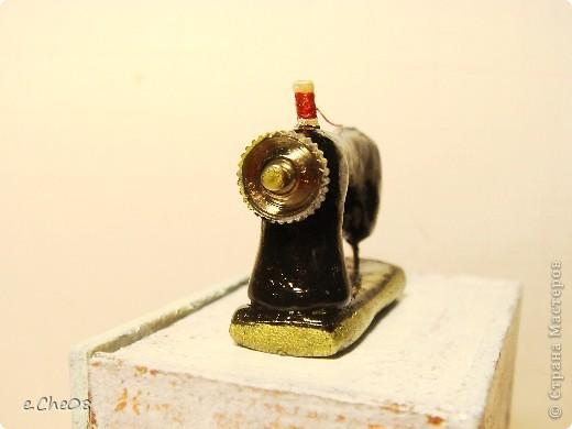 """Магнети́зм — форма взаимодействия движущихся электрических зарядов, осуществляемая на расстоянии посредством магнитного поля. Наряду с электричеством, магнетизм — одно из проявлений электромагнитного взаимодействия (Из Википедии). Для календаря я сделала магнитики под общим девизом """"Маленькие радости"""" фото 4"""