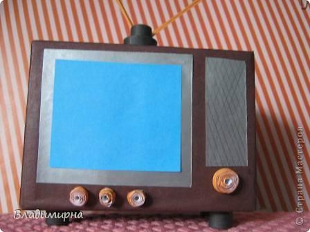 """Мой телевизор - телевизор далёкого прошлого,моего детства,  даже ещё старше  того по которому """"Россия Голландию сделала """". ) Но он уже цветно, а не черно-белый!   фото 4"""