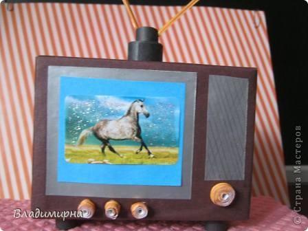 """Мой телевизор - телевизор далёкого прошлого,моего детства,  даже ещё старше  того по которому """"Россия Голландию сделала """". ) Но он уже цветно, а не черно-белый!   фото 5"""
