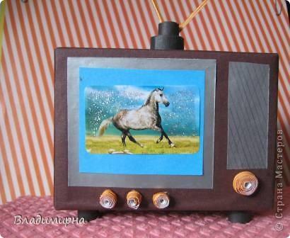 """Мой телевизор - телевизор далёкого прошлого,моего детства,  даже ещё старше  того по которому """"Россия Голландию сделала """". ) Но он уже цветно, а не черно-белый!   фото 1"""