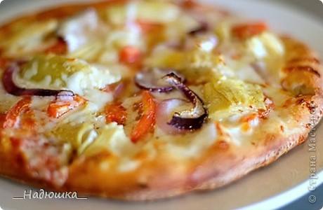 Отмечается День пиццы каждый год с 10 июля 1985 года, когда был учрежден городским Советом по туризму. Ежегодно на празднике съедается около 1,6 миллиона порций. Считается, что пицца была завезена в Бразилию итальянскими иммигрантами в XIX веке, которые и начали открывать в стране первые пиццерии, добавляя в это типичное итальянское блюдо бразильский колорит. фото 7