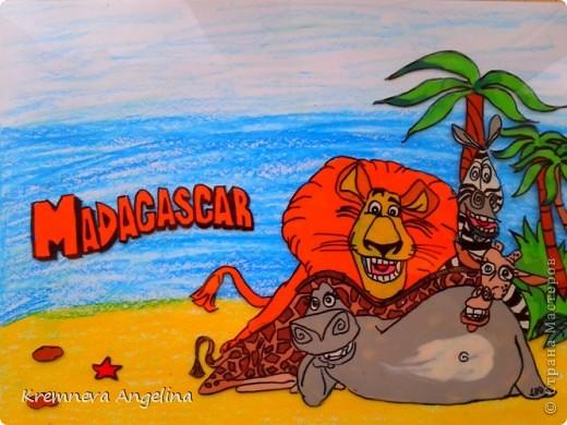 Мадагаскар - остров, расположенный к востоку от африканского континента. Миллионы лет назад Мадагаскар был частью древнего материка Гондваны.  Я решила на этот праздник сделать такую работу фото 1