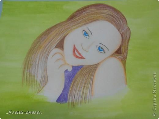 Девушка в анютиных глазках фото 3