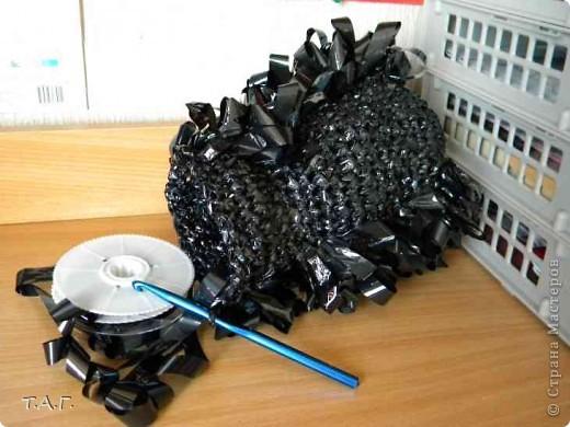 Поделки из ленты от старых кассет