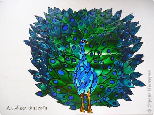 Вот такого павлина я решила сделать из витражных красок. фото 1